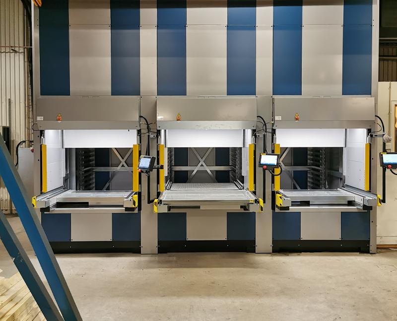 Tre Compact Lift 1220 skapade maximal lagerkapacitet hos Smidmek